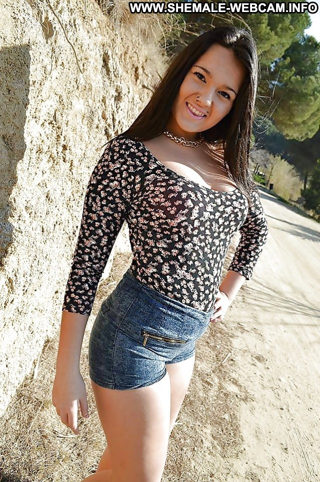 Teen Shemale Shemale Babe 105