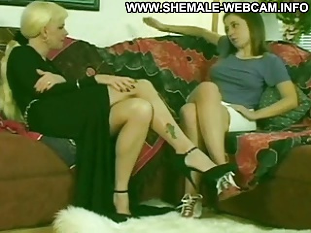 Sybella Video Hot Bed Male Pov Hat Old Blonde Shemale Brunette German