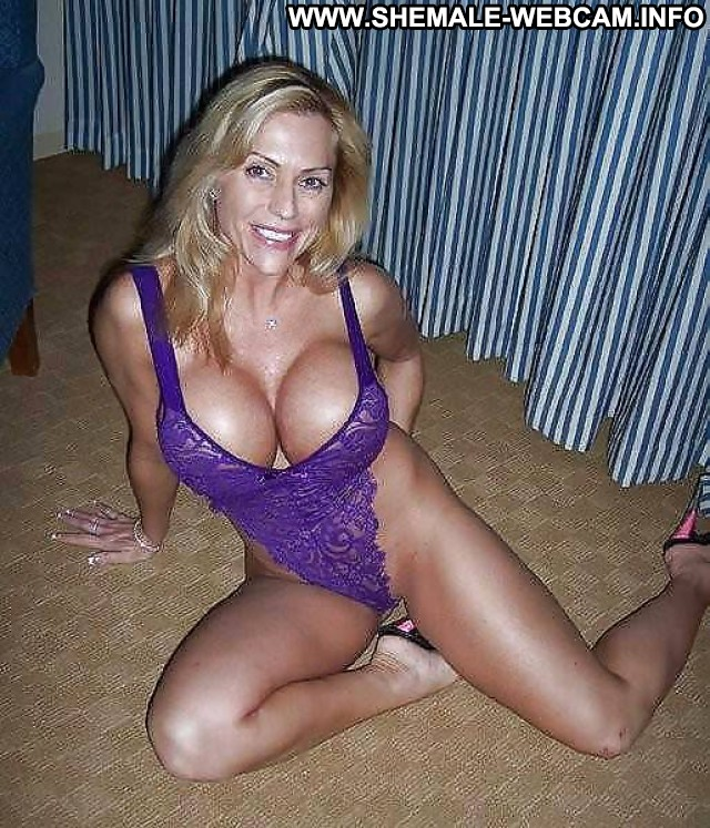 Webcam milf boobs and lotion 6